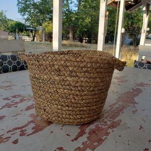 Straw, wicker basket